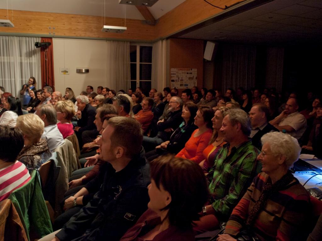 ein voller Saal bezeugt das Interesse an großen Künstlern oder PAPAs