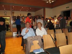 zufriedene Gäste des Vortrages
