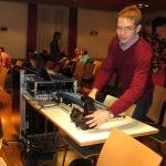 Techniker Christoph bei der Arbeit